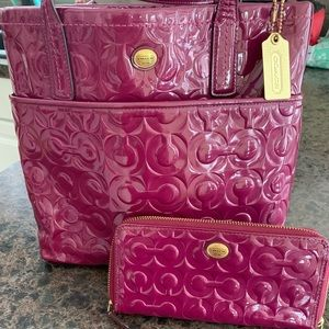 Authentic Coach Signature purse and wallet. ~NICE~